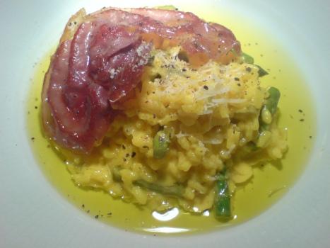 risotto-alla-milanese-med-tryffel-och-brackt-prosciutto