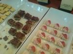 Viking Cinderellas dessertbord, pekannötspaj & jordgubbsbakelse