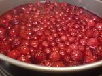 Halloncheesecake med röda vinbär medhallongelé