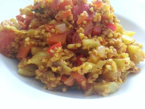 Sojabulgur med grönsaker kryddat med curry